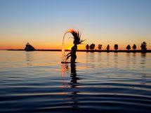 Oulujoen rantaan on matkaa vain n. 500 metriä. Joenvarsi on suosittu lenkkeilijöille ja pyöräilijöille.