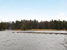 Taloyhtiön osakkailla oikeus venepaikkojen vuokraamiseen