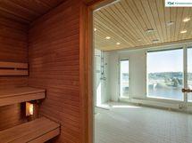 Taloyhtiön yksi saunaosasto upein näkymin