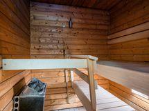 Sauna, johon mahd. asentaa puukiuas.
