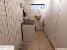 Kodinhoidolle ja pyykkihuollolle oma tila