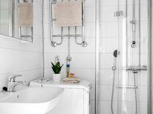 Kylpyhuone on remontoitu linjasaneerauksen yhteydessä 2015.