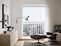 Visualisointikuvassa taiteilijan näkemys 12. kerroksen 51 m2:n kodin olohuoneesta (julkisivusäleikköjen sijainnit vaihtelevat kerroksittain)