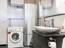 Pesuhuoneessa tila pesutornille