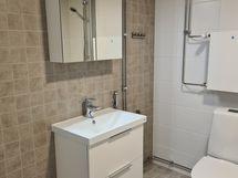 Täysin uusi kylpyhuone
