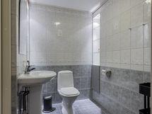 Kellarikerroksen erillis-wc