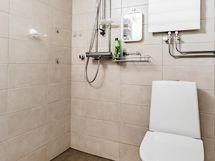 Kylpyhuone on uusittu yhtiön toimesta.