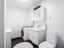Erillinen kodinhoitohuone/wc