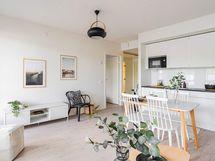 Valokuva asunnon keittiöstä