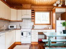 Keittiössä tilaa kokkailla