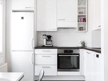 Keittiöremontti on toteutettu tyylikkäästi v. 2018