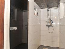 Rantasaunan kylpyhuone
