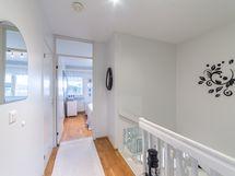 yläkerran aulatila + portaikko