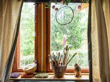 Vanhan puolen tunnelmallinen ikkuna