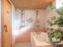 Pesuhuone, jossa poreallas