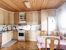 4h keittiö