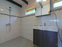 vierashuoneen suihku/wc
