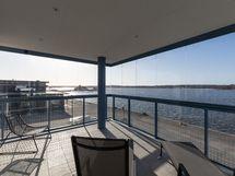 Alakerran terassin näkymät / View from down-stairs terrace