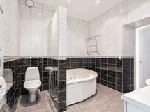 Kylpyhuone Vuorikatu 22C