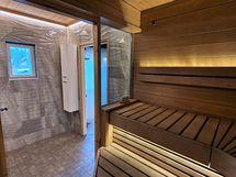 Upea saunaosasto huvilassa