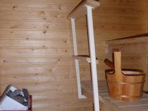 Kompakti sauna yläkerrassa