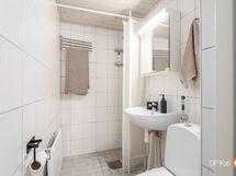 kylpyhuone, ei pesukoneliitäntää