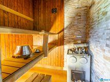 Sauna, jossa puukiuas