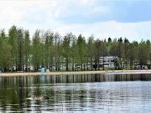 Hiekanpään uimarantaan ja rantapuistoon matkaa vain n 400 m