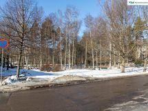 Koti puiston laidalla