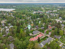 Laaksolahti on Lippajärven ja Pitkäjärven rannan tuntumassa