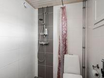 Kylpyhuone remontoitu putkiremontin yhteydessä
