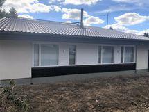 Uusittu panelointia ja ulkovuori maalattu 2021