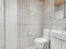 2. WC  uusittu v. 2001