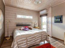 Makuuhuone - Master Bedroom