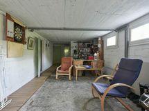 Avoin tila kellarissa - Öppet utrymme i källaren