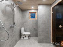 rantasaunan kylpyhuone ja wc