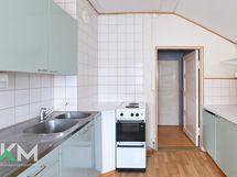 Ylä 1h,k,kph/wc keittiö