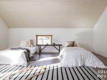 Yläkerran 1 makuuhuone