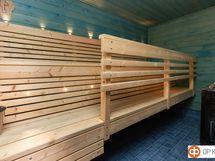 Kesäsaunarakennuksen saunaa
