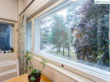 Näkymiä keittiön ikkunasta