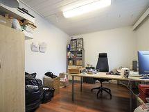 Työhuone 1.