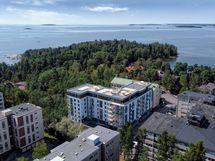 Visualisointikuvassa taiteilijan näkemys Asunto Oy Helsingin Särkiniemenpuistosta koillisesta katsottuna.