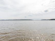 Näkymä laiturilta Lohjajärvelle