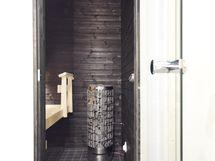 Ja tumma, tyylikäs sauna