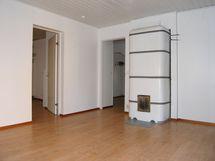 isomman asunnon olohuone