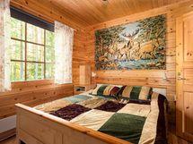 Järvenpuoleinen makuuhuone