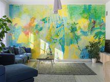 Kaunis seinämaalaus olohuoneessa.
