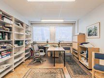 toimisto huone