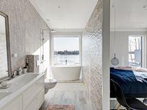 Päämakuuhuone ja kylpyhuone