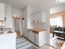 Alkuperäinen puuovinen 50-l. keittiö